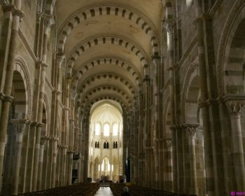 Ste-Marie-Madeleine Vézelay innen