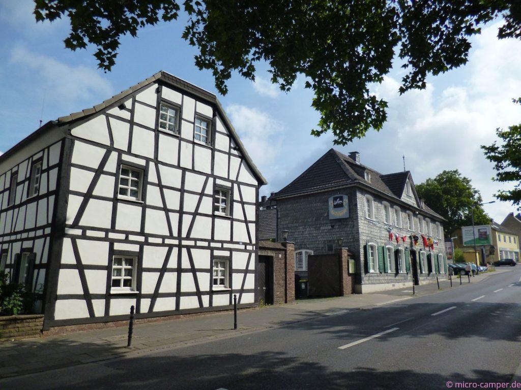 ebenfalls in Brück: Fachwerkhäuser, eins schnuckliger als das andere