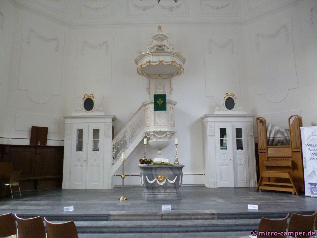 Das Innere der ev. Stadtkirche