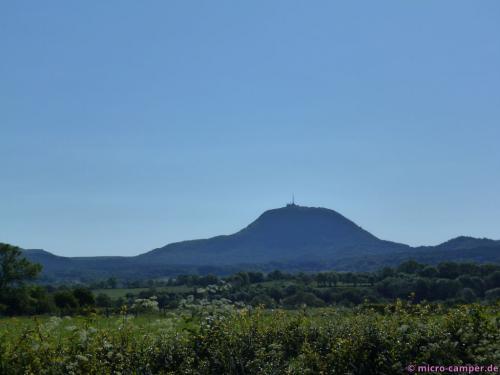 Durch einen großen Mast auf seinem Gipfel ist der Puy de Dôme sehr leicht identifizierbar