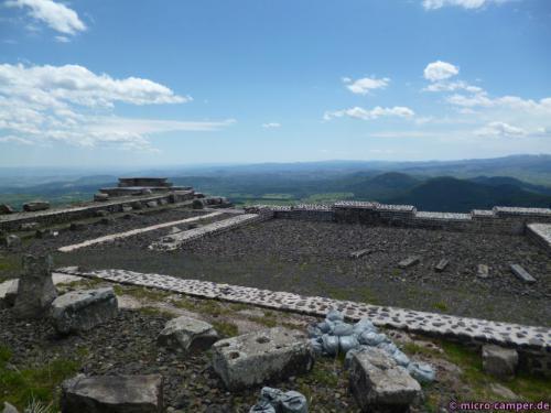 Die Grundmauern des Merkur-Tempels, kläglicher Rest vergangener Pracht