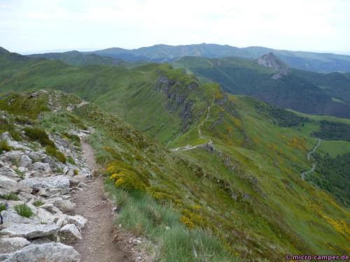 Abstieg über den Fernwanderweg GR 400