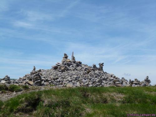 Auch hier: Steinskulpturen