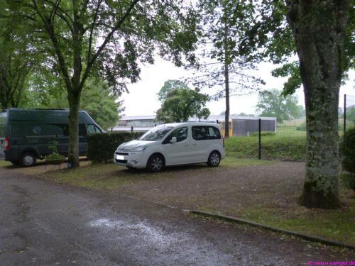 Viel Platz für einen Micro-Camper auf dem CP Louis Rigoly