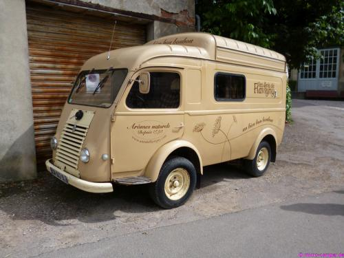 Lieferfahrzeug der Anis-Bonbon-Fabrik