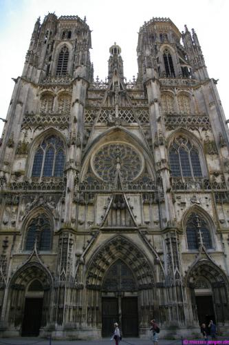 Westfassade der Kathedrale von Toul
