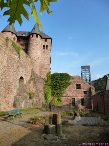 Die Burg in Heimbach, mit Aufzug