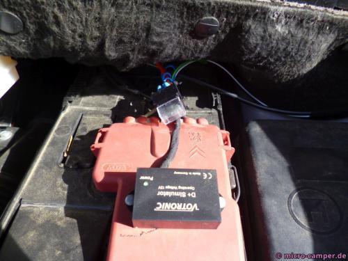 D+ Simulator auf der Starterbatterie