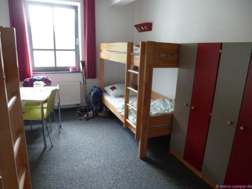 ein Vier-Bett-Zimmer für mich allein
