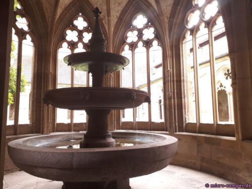 Das Brunnenhaus ist ein bezaubernder Ort, der zum Meditieren einlädt