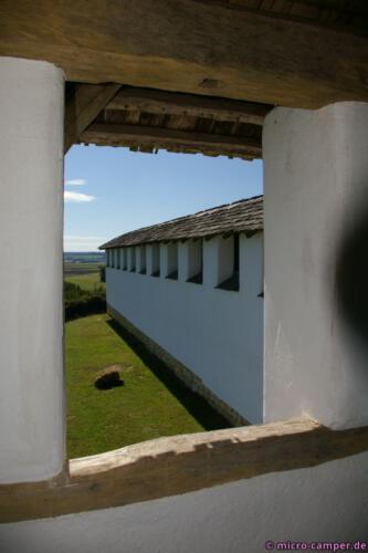 Die weiße Mauer muss Besucher regelrecht geblendet haben