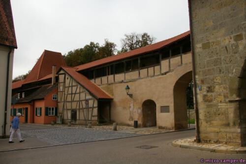 Die Stadtmauer und alle Tore sind erhalten geblieben