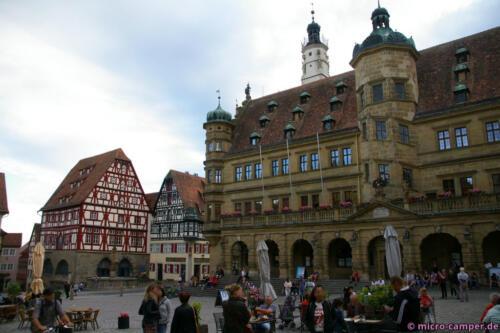 Das Rathaus von Rothenburg am Marktplatz