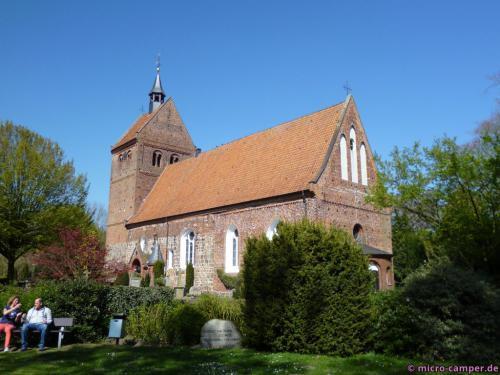 Die hübsche alte Kirche von Zwischenahn