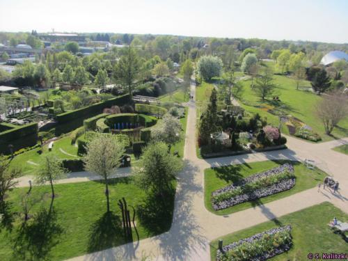"""Blick vom Aussichtsturm auf den """"Park der Gärten"""""""